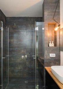 מקלחון חזית 2 קבועים + 2 דלתות כנף 8 מ״מ