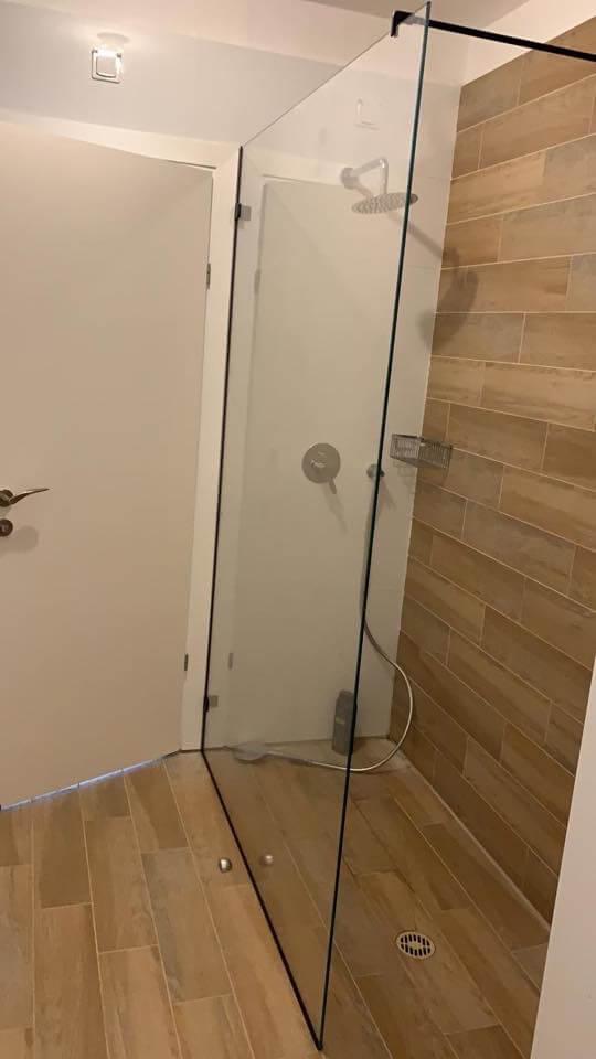 מקלחון חזית זכוכית קבועה 8 מ״מ